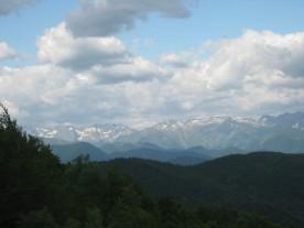 A first glimpse of the Pyrénées