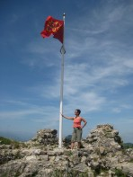 Conquering the castle and raising the Occitan flag