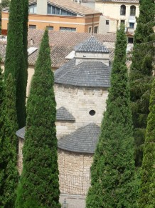 A view over the roof of the Romanesque church of Sant Pere de Galligants