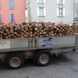 8.30 a.m. on the dot: the wood arrives