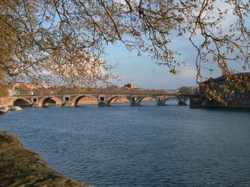 The Garonne passing through Toulouse
