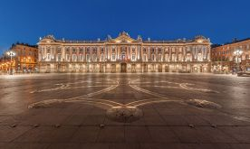 The main square in Toulouse - the Capitole - at night