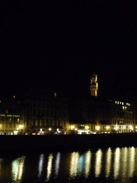 Another view of the Palazzo Vecchio.