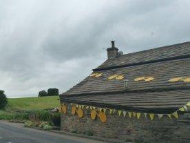 A house outside Bainbridge welcomes the Tour.