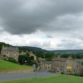 A challenging descent in the village of Reeth .....