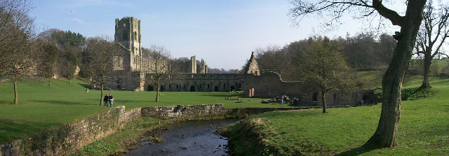 A view of Fountains Abbey: Wikimedia Commons