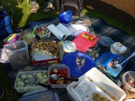 Our picnic 10/10 for flavour. Nul points for presentation.