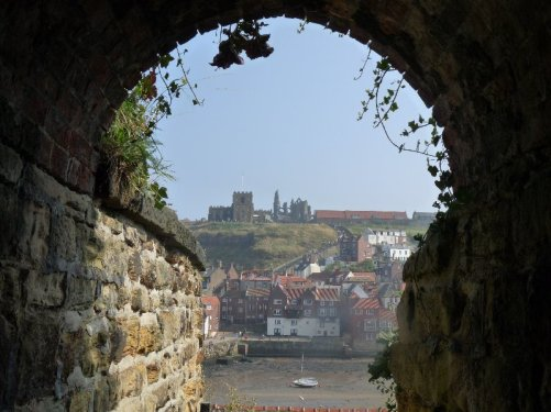 Whitby Old Town seen from a ginnel.