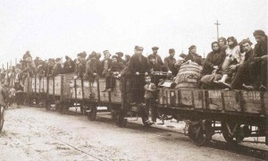 Greek refugees from Smyrna arriving at Thessaloniki 1923 (unknown source)