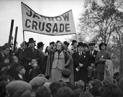 Ellen Wilkinson addresses the Jarrow Marchers (History Today)