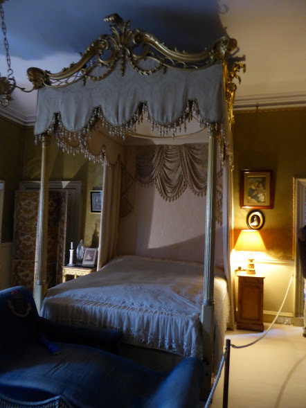 The Gold Bedroom.