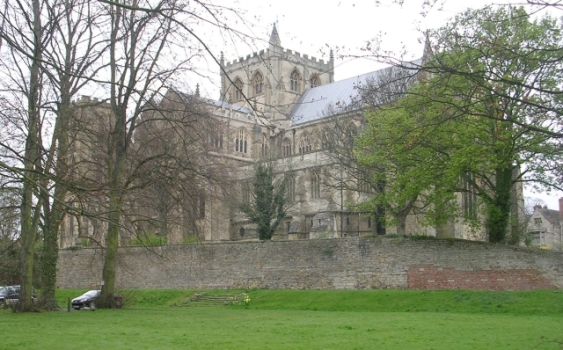 :Ripon Cathedral - viewed from High St Agnesgate - (geograph.org.uk)
