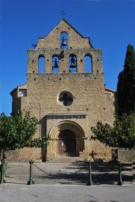 Thanks to Wikimedia Commons for the use of this image of the church facade