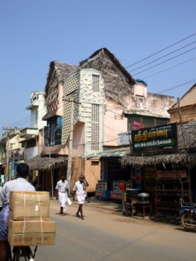 Another street scene, Thanjavur.