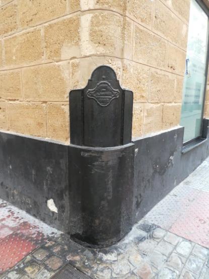 Street-corner-protector