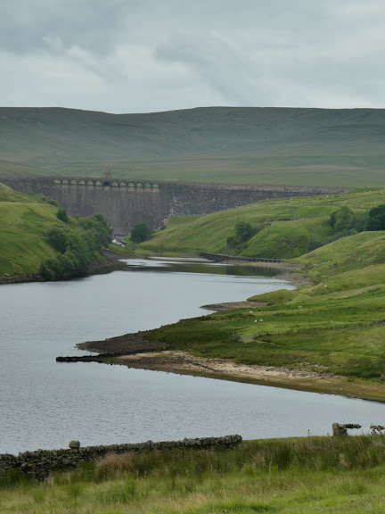 Angram Reservoir, leading the eye to the viaduct at the back of the picture